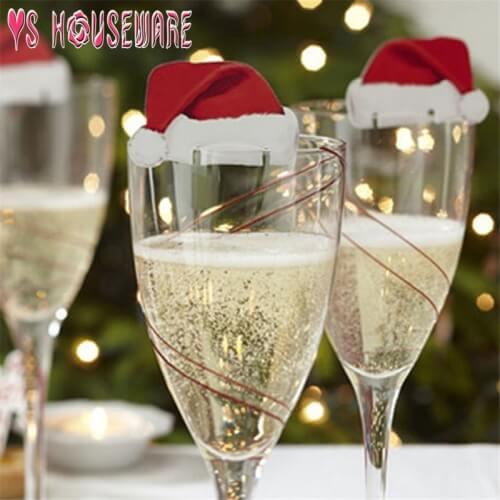 Czapki Mikołaja na kieliszki do wina lub szampana