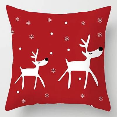 Różne świąteczne poszewki na poduszki
