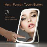 Podswietlane-lusterko-do-makijazu-od-Xiaomi